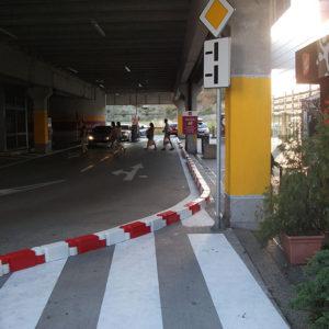 chain-traffic-separator-3